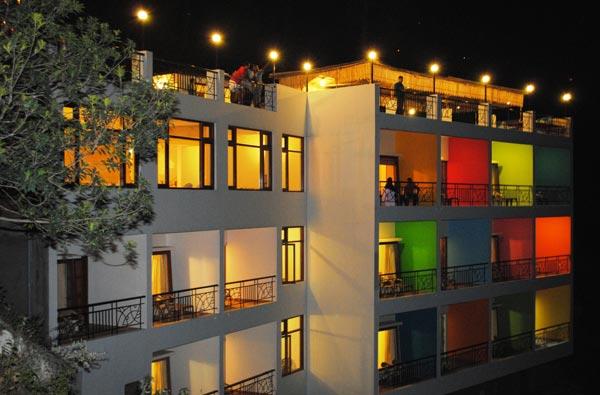 pratiksha himalayan hotel