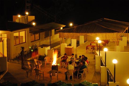 Pratiksha Hotel Room2