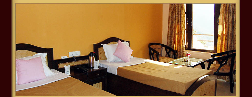 Hotel Pine Havens Room 1